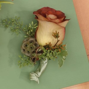 Rose Boutonniere with a Twist