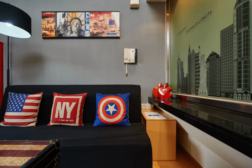Kenny's New York Apartment-2