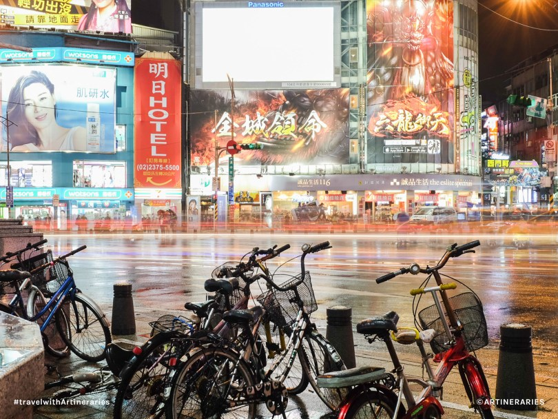 Ximending at Night / Photo by Ivan Angelo