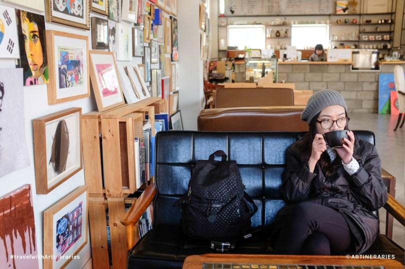 Keeping myself warm at Café Concreate in Heyri Art Village / Photo by Ivan Angelo