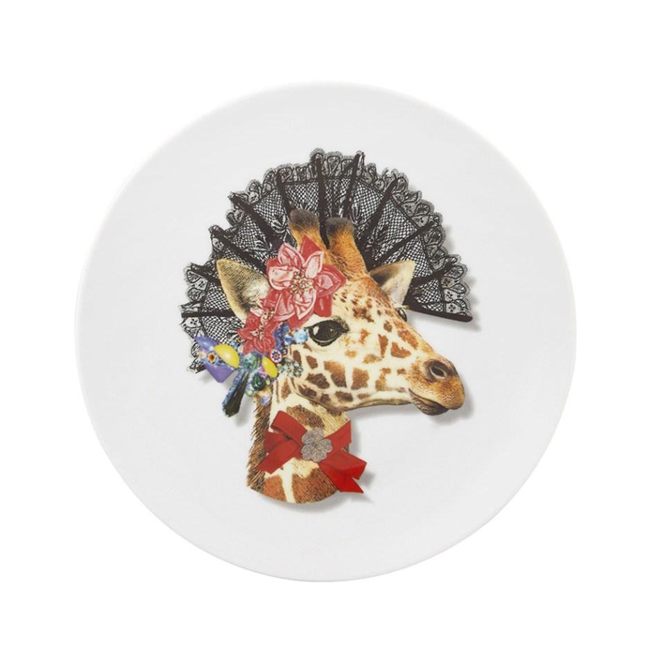 love-who-you-want-dona-jirafa-dessert-plate