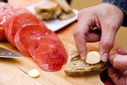 4-rub-garlic-on-toasted-or-grilled-bread.jpg