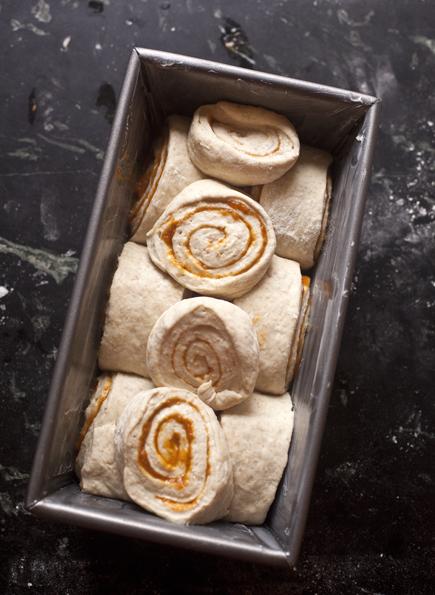 pumpkin swirl bread 06