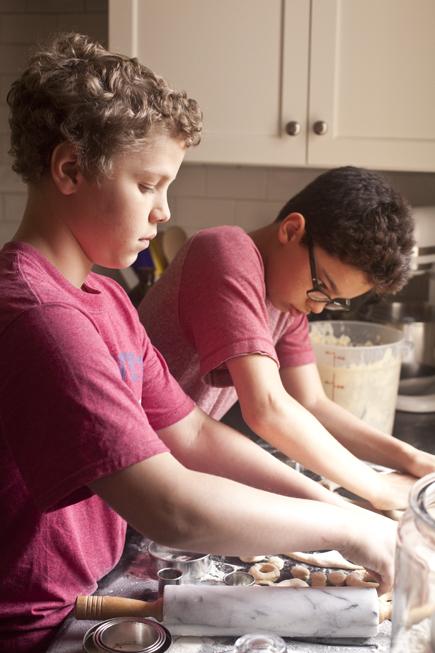 Kids Making Doughnuts | Breadin5