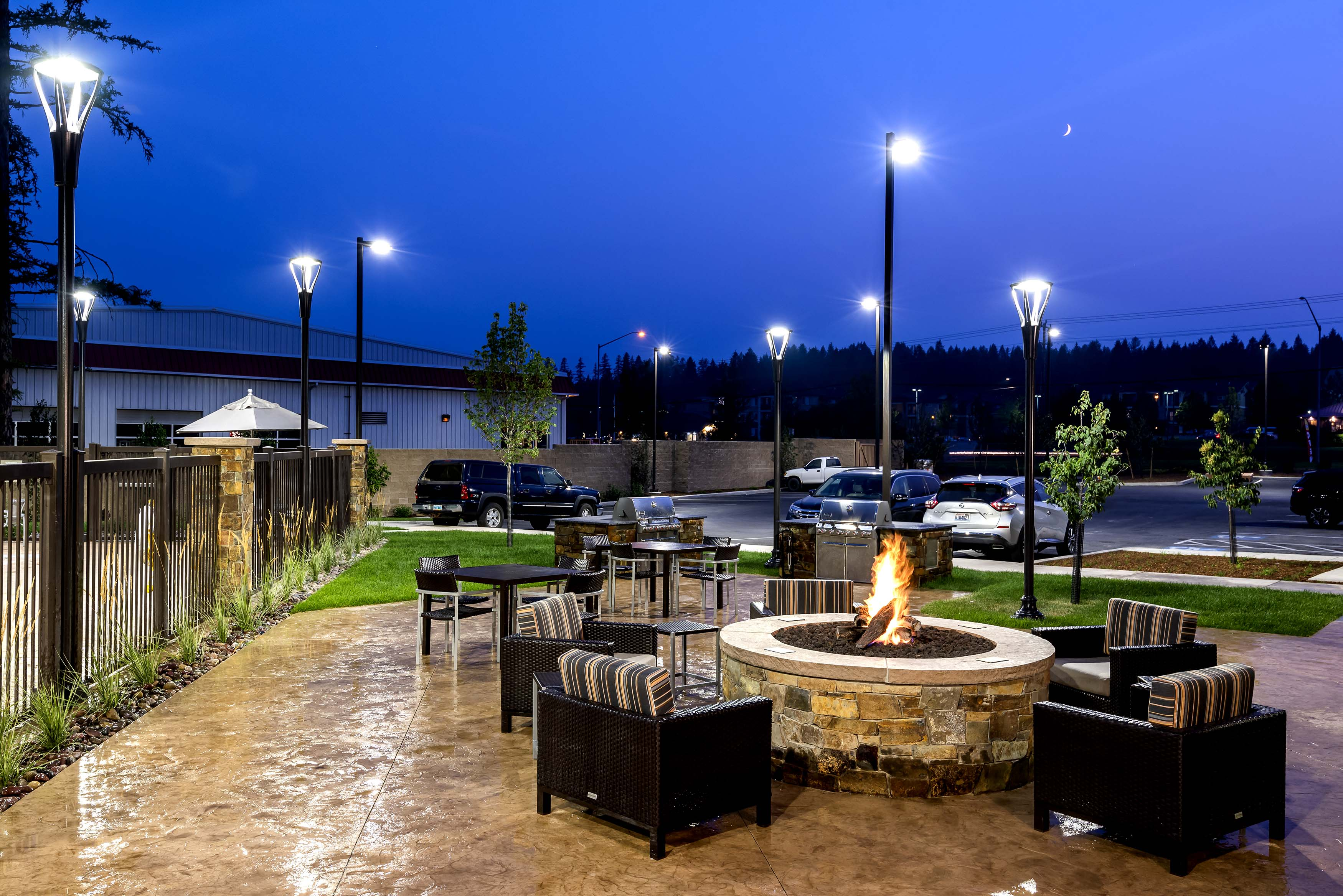 Towne-place-suite-marriott-hotels-towneplace-hotel-whitefish-montana-Fireplace-grill