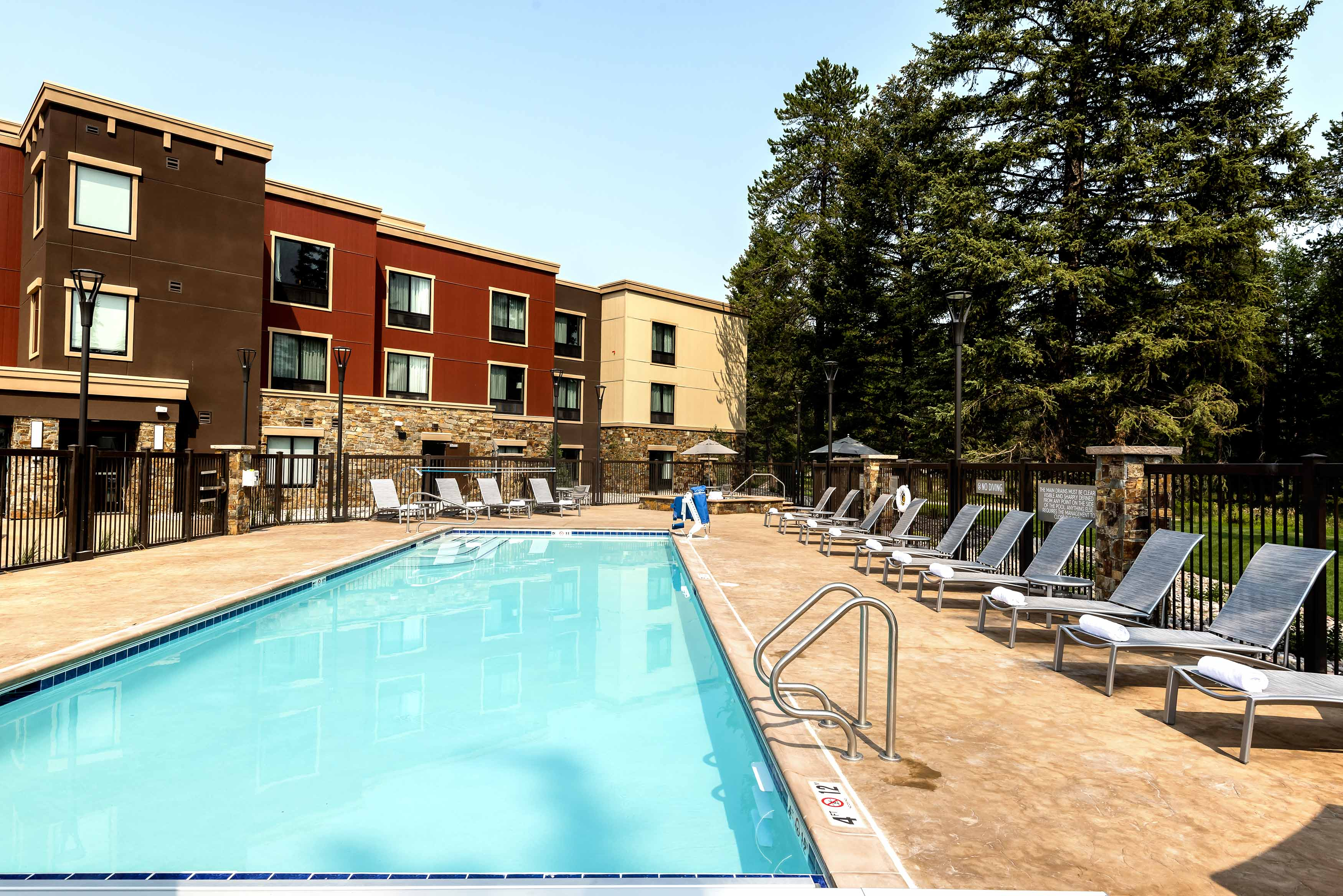 Towne-place-suite-marriott-hotels-towneplace-hotel-whitefish-montana-pool
