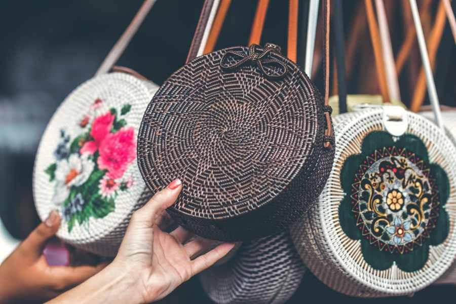 Il est possible de lancer son entreprise artisanale sans argent en confectionnant des sacs par exemple