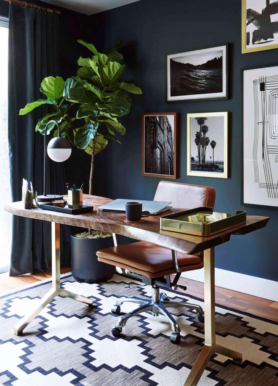 Синьото и сивото привличат успеха в бизнеса и са подходящи за кабинет.