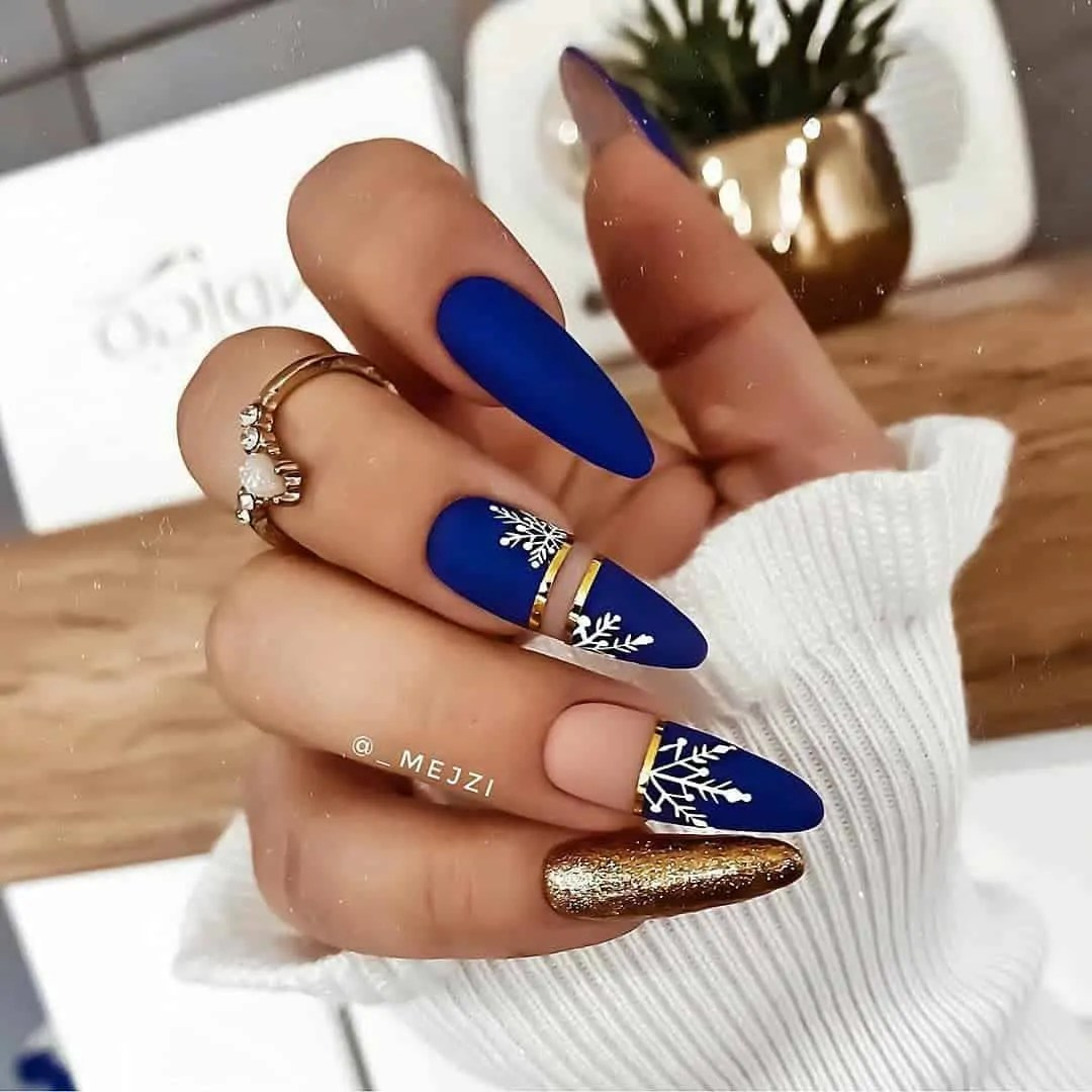 15+ Christmas Nail Ideas You Must See! 3
