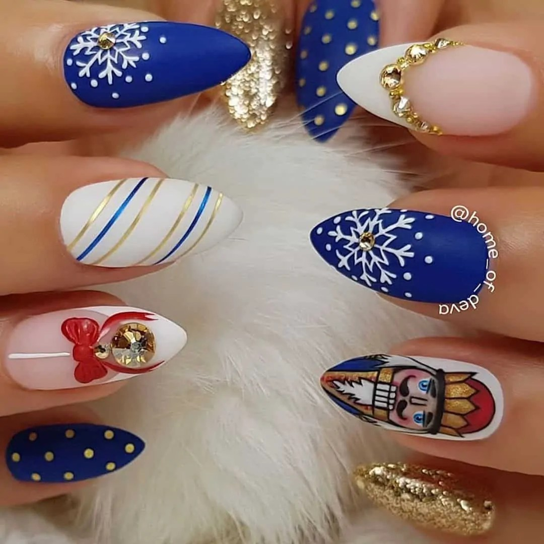15+ Christmas Nail Ideas You Must See! 63