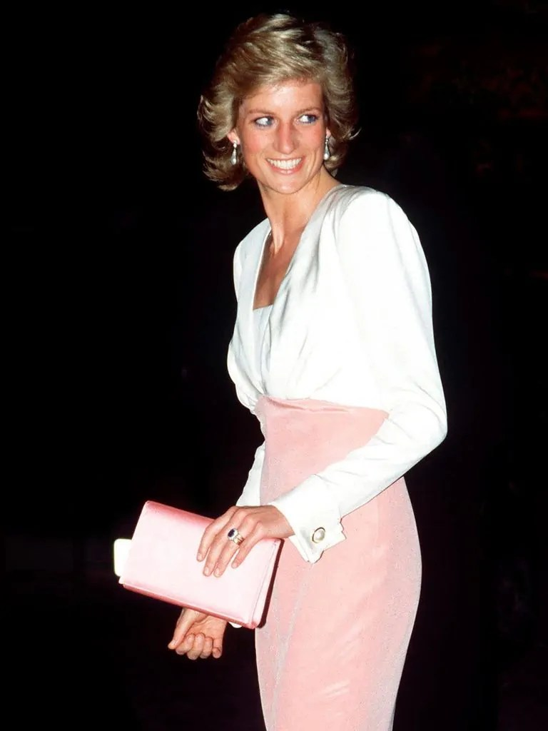 Princess Diana's Style: 150 Of The Most Iconic Princess Diana Fashion Moments 9