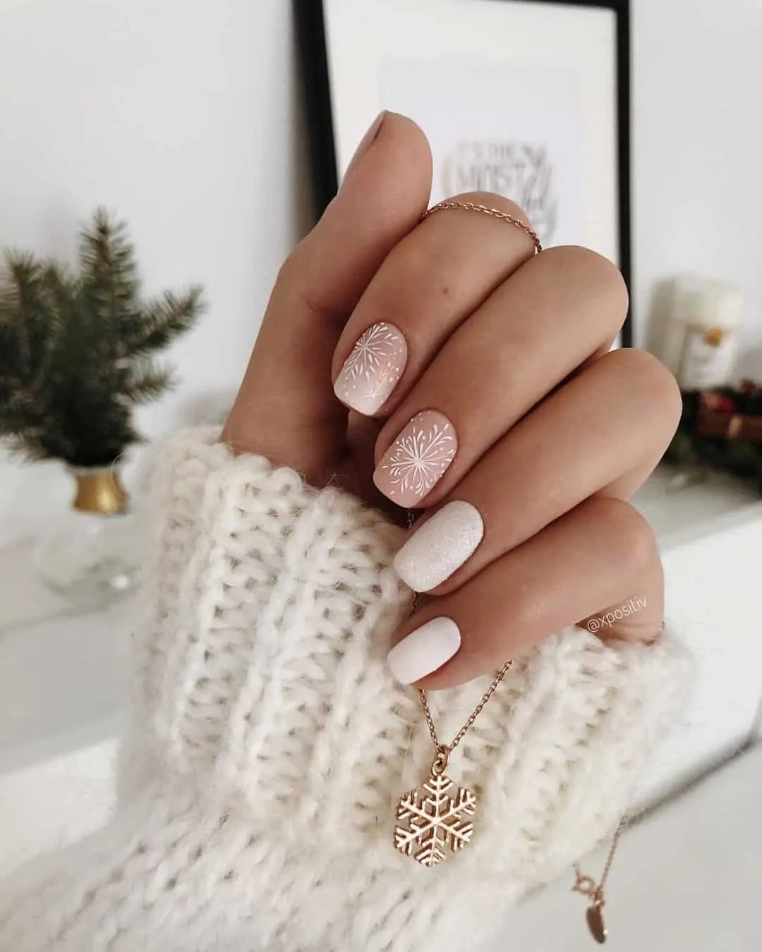 15+ Christmas Nail Ideas You Must See! 31