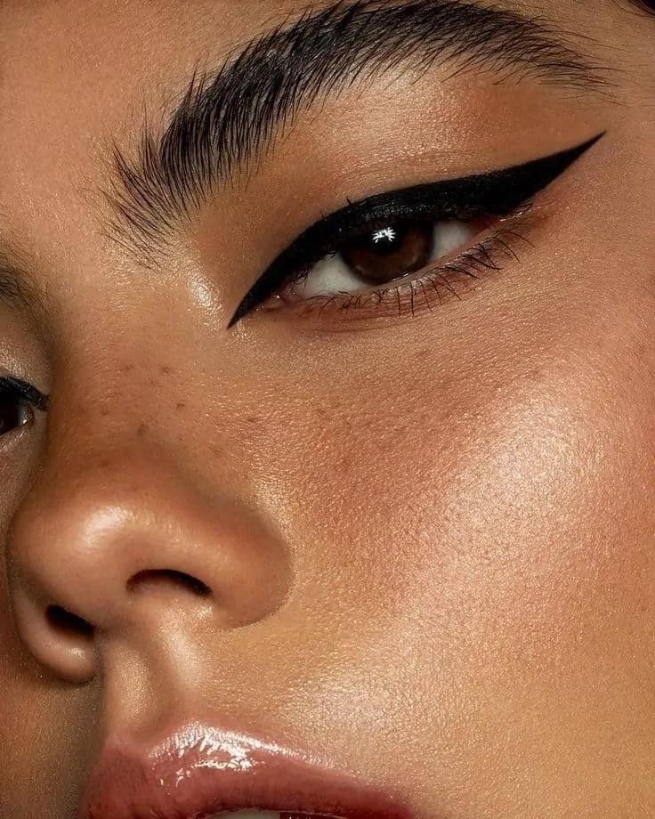 12 Eyeliner Make Up Looks to Steal 19