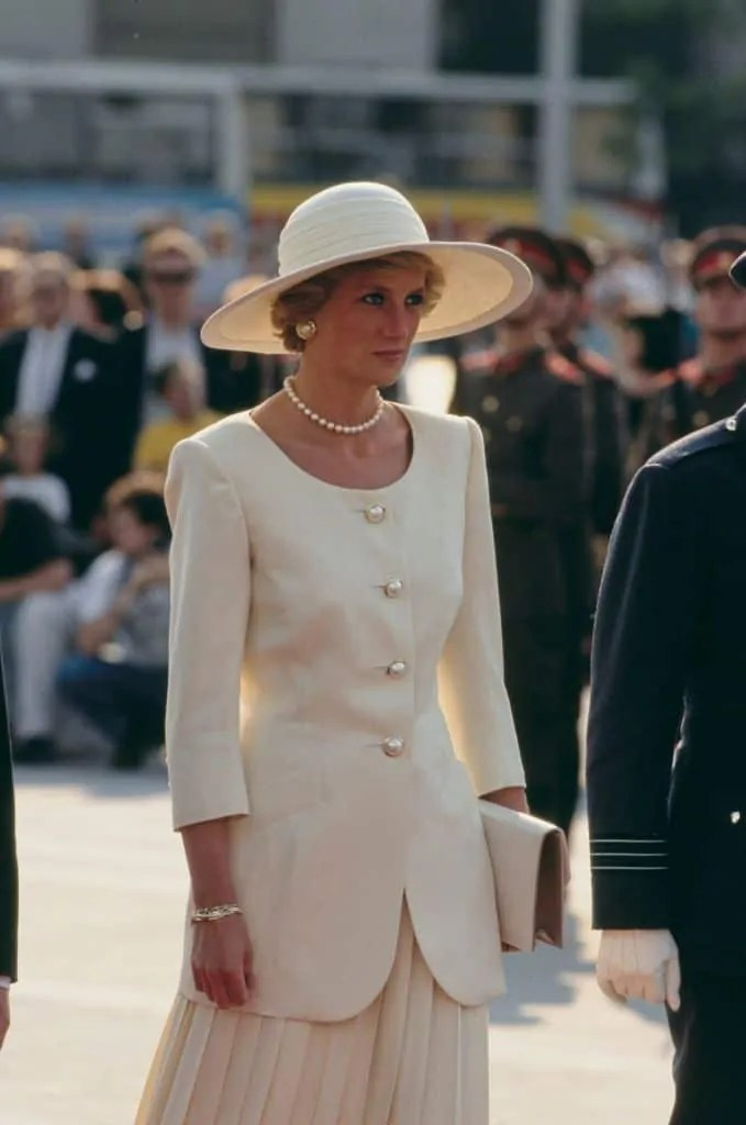 Princess Diana's Style: 150 Of The Most Iconic Princess Diana Fashion Moments 263