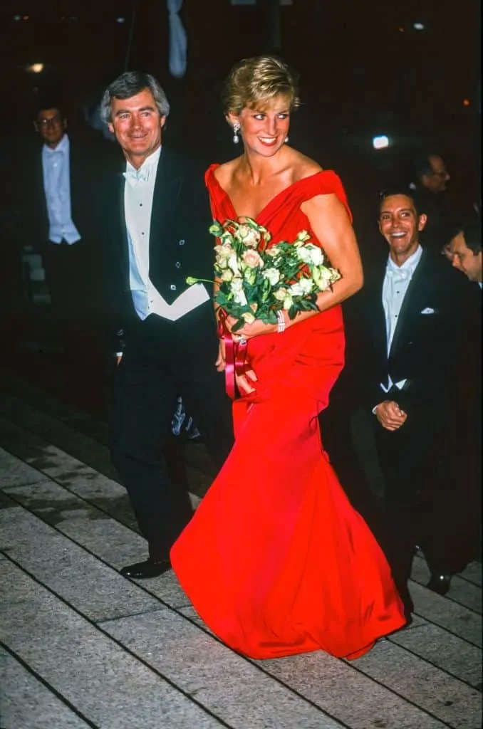 Princess Diana's Style: 150 Of The Most Iconic Princess Diana Fashion Moments 293