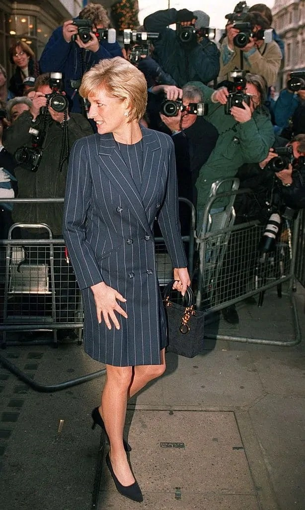 Princess Diana's Style: 150 Of The Most Iconic Princess Diana Fashion Moments 25
