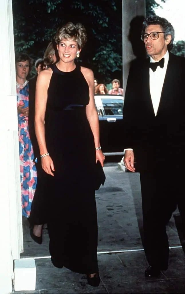 Princess Diana's Style: 150 Of The Most Iconic Princess Diana Fashion Moments 27