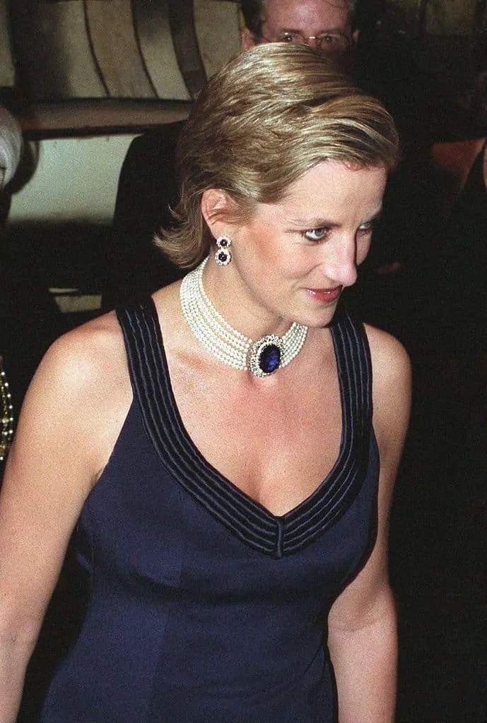 Princess Diana's Style: 150 Of The Most Iconic Princess Diana Fashion Moments 37