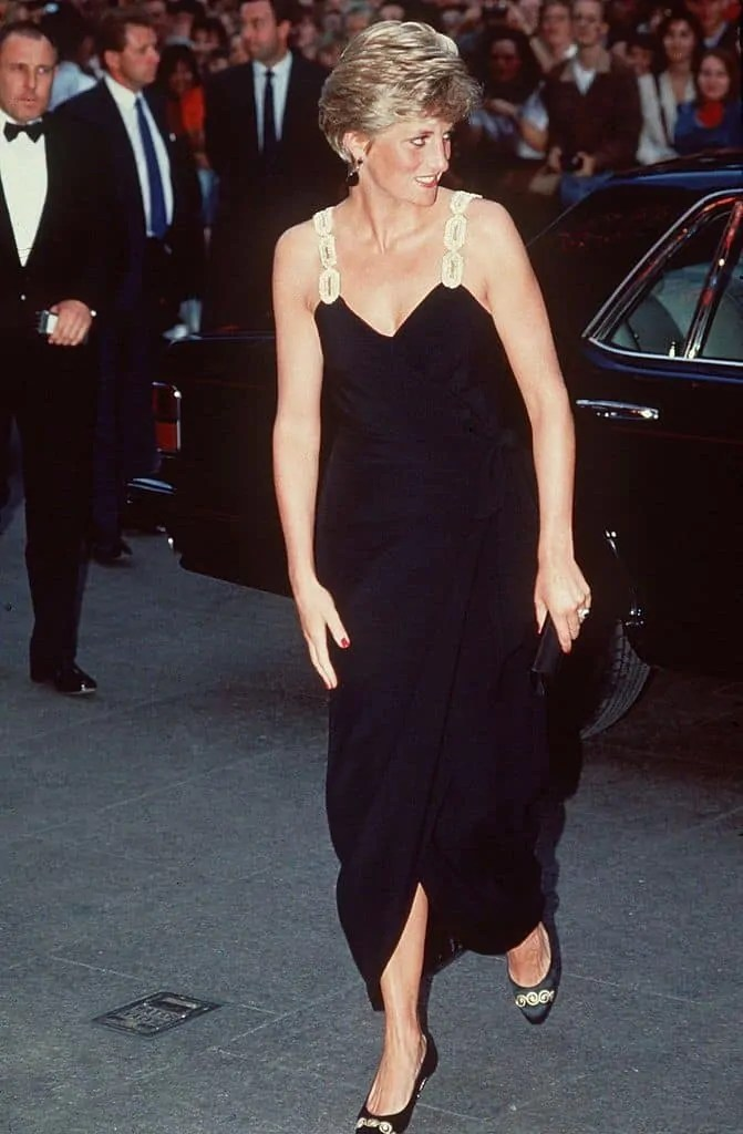 Princess Diana's Style: 150 Of The Most Iconic Princess Diana Fashion Moments 39