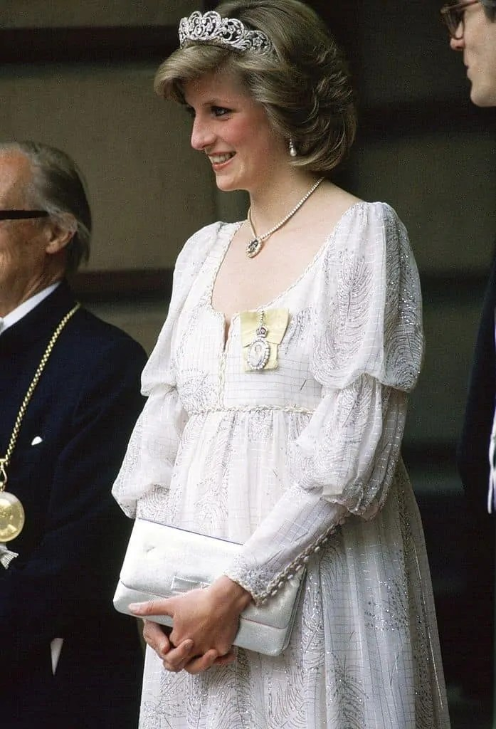 Princess Diana's Style: 150 Of The Most Iconic Princess Diana Fashion Moments 87