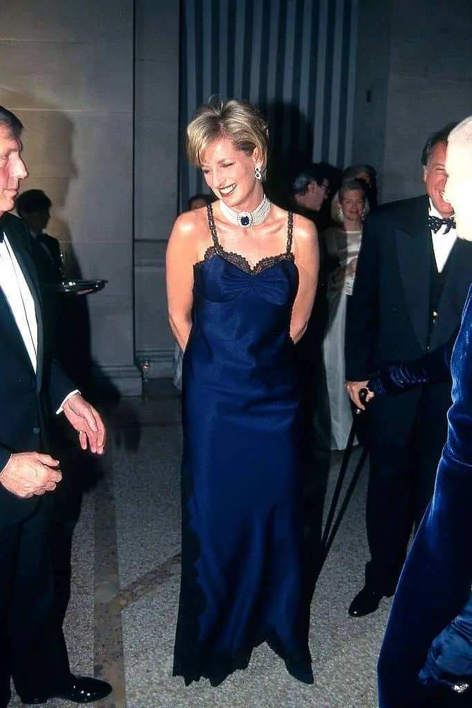Princess Diana's Style: 150 Of The Most Iconic Princess Diana Fashion Moments 225