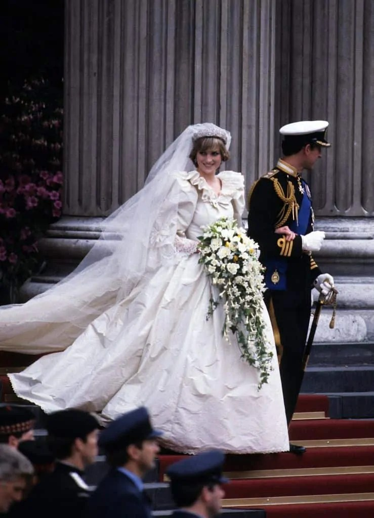 Princess Diana's Style: 150 Of The Most Iconic Princess Diana Fashion Moments 115