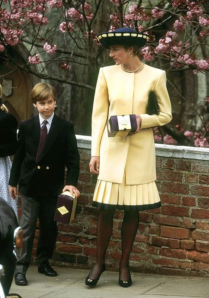 Princess Diana's Style: 150 Of The Most Iconic Princess Diana Fashion Moments 121