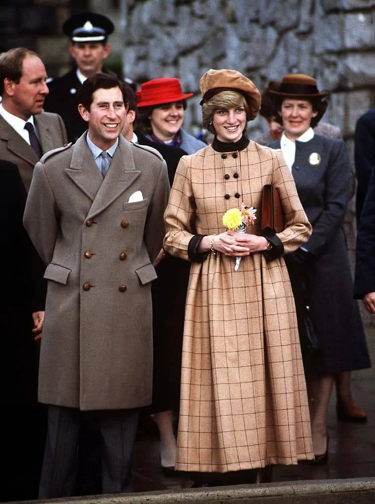 Princess Diana's Style: 150 Of The Most Iconic Princess Diana Fashion Moments 129