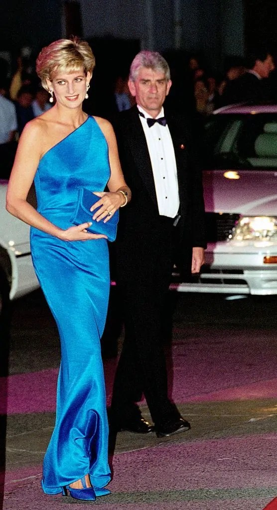Princess Diana's Style: 150 Of The Most Iconic Princess Diana Fashion Moments 161