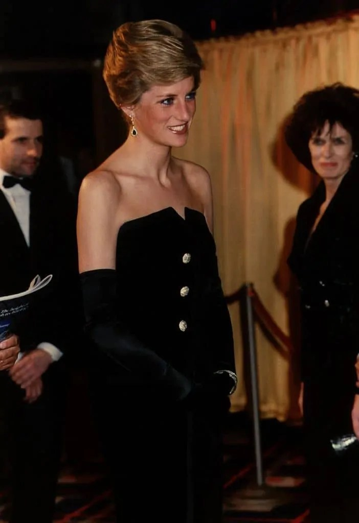 Princess Diana's Style: 150 Of The Most Iconic Princess Diana Fashion Moments 237