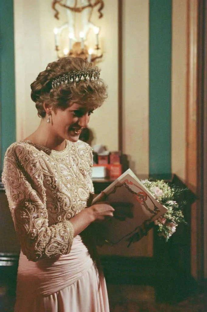 Princess Diana's Style: 150 Of The Most Iconic Princess Diana Fashion Moments 247