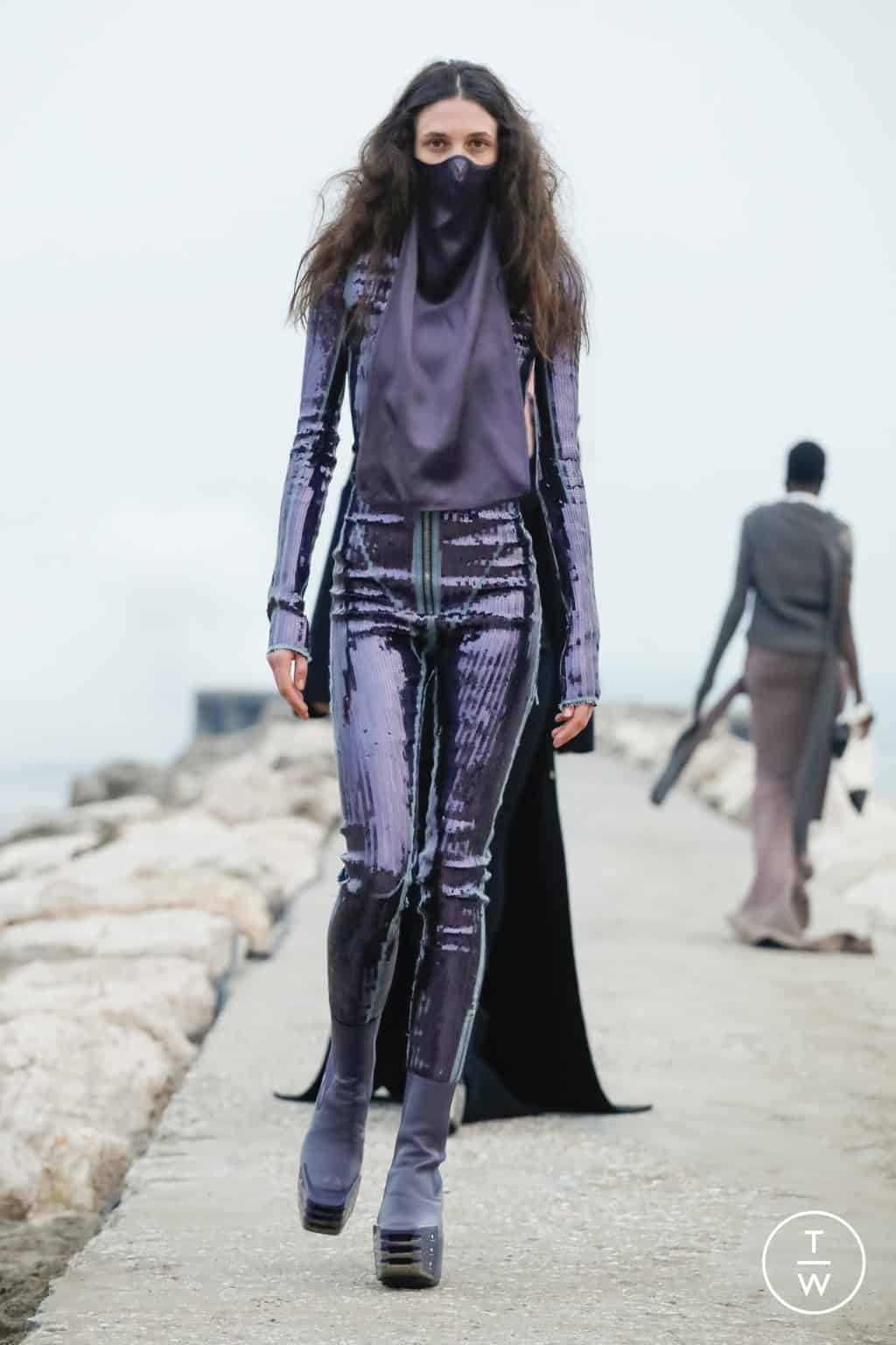 RICK OWENS FALL/WINTER 2021 — Look 15