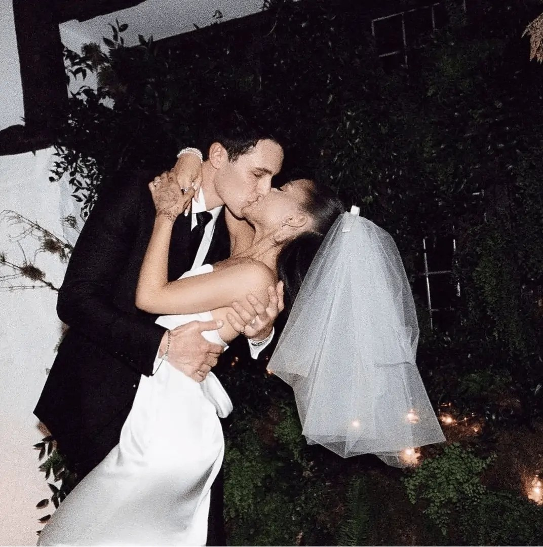 Ariana Grande's Wedding Dress and Wedding Pictures that you have to see 1