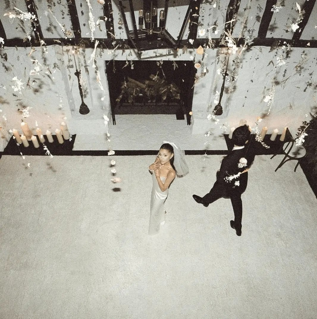 Ariana Grande's Wedding Dress and Wedding Pictures that you have to see 3