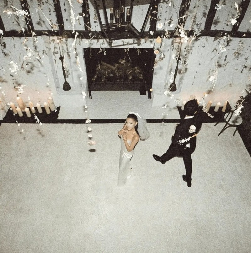 Ariana Grande's Wedding Dress and Wedding Pictures that you have to see 714