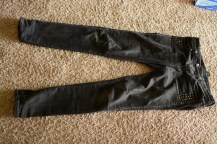 Elleword - I'm going to wear these jeans on the bus trip there and back