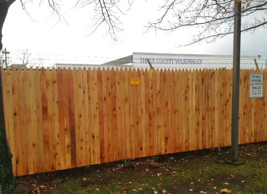 Solid wood picket fence with no spacing