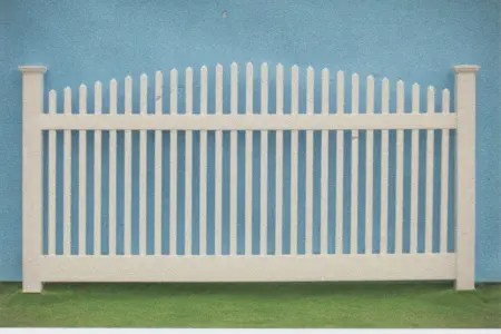 Nantucket crowned white pvc fence