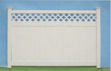 Suburban lattice top prviacy fence with 1ft diagonal lattice
