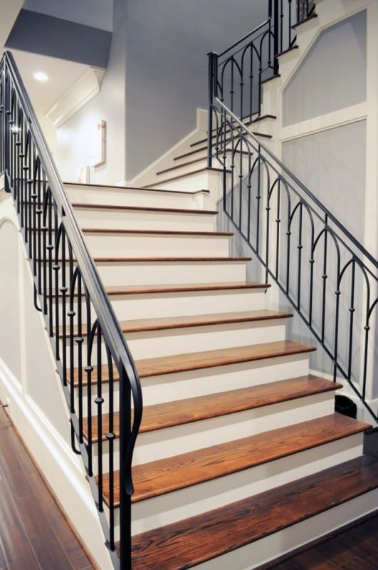 Types Of Staircases Which Is Right For Your Space | Continuous Handrail Winder Stair | Recessed | 30 Inch | Basement | Gooseneck | 90 Degree