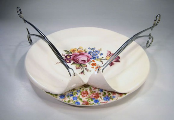 Beccy Ridsdel 04 578x400 Beccy Ridsdel operates on ceramics...