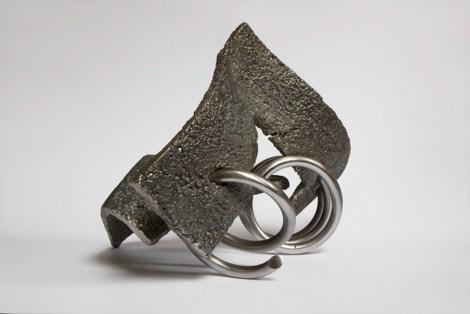 Title:Brotherhood I Medium:cast iron, steel Size:42x31x30cm