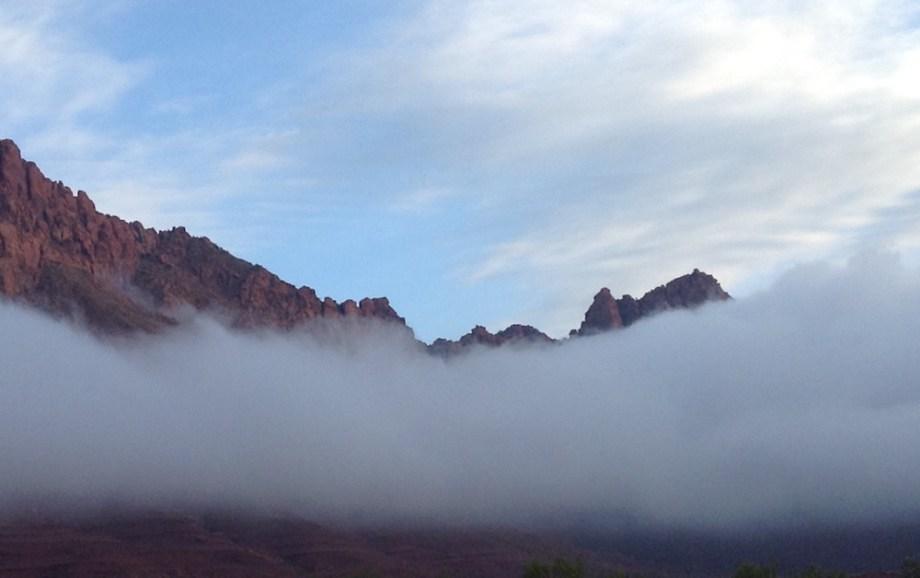 Title cloudy mountain Medium photography Size 2590 x 1626