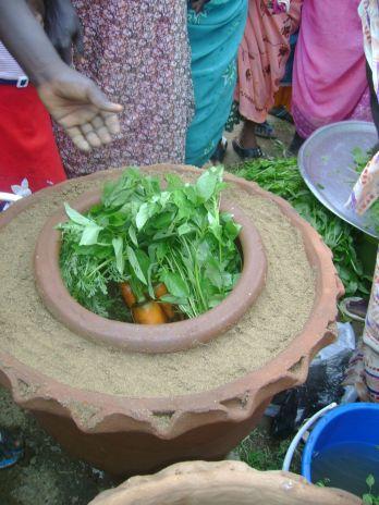 Gates, Foundation, Nigeria, pot-in-pot, refrigeration, farm, farmers, market
