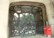 gateway to Casa Batilo