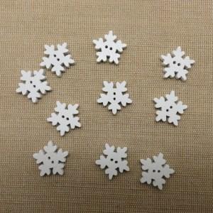 Boutons flocon de neige blanc en bois 18mm couture noël – lot de 10