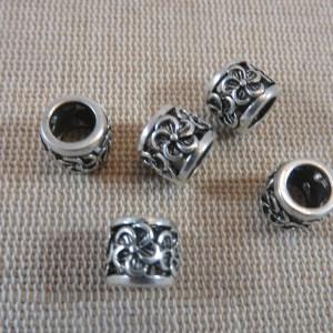 Perles colonne gravé fleur ajouré argenté en métal – lot de 5