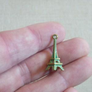 Pendentifs Tour Eiffel métal bronze patiné 23mm – lot de 5