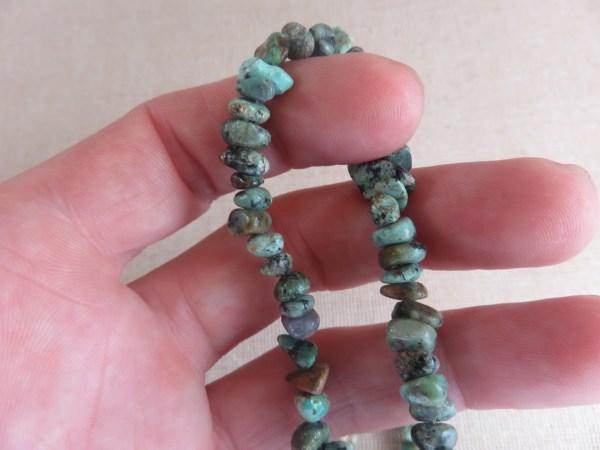 Perles Turquoise Africaine chips pierre de gemme - lot de 10