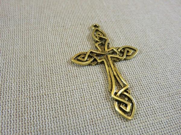 Pendentif croix nœud celtique doré - apprêt pour collier